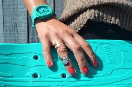 Блестящие кончики ногтей